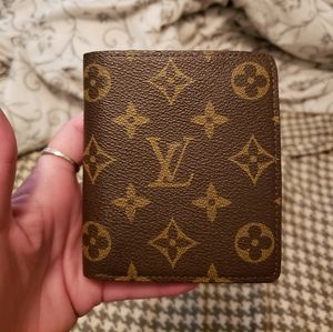 Louis Vuitton monogram multiple wallet M61665